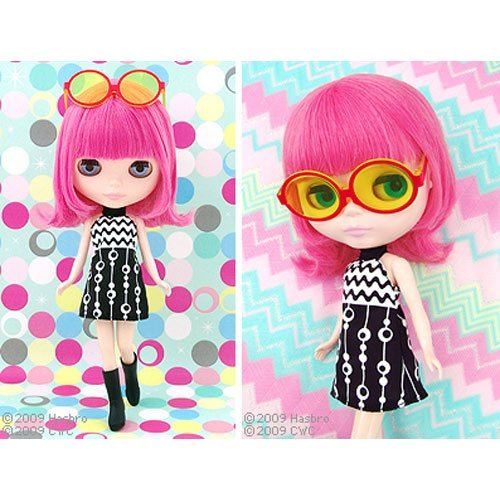 Blythe doll with pink hair