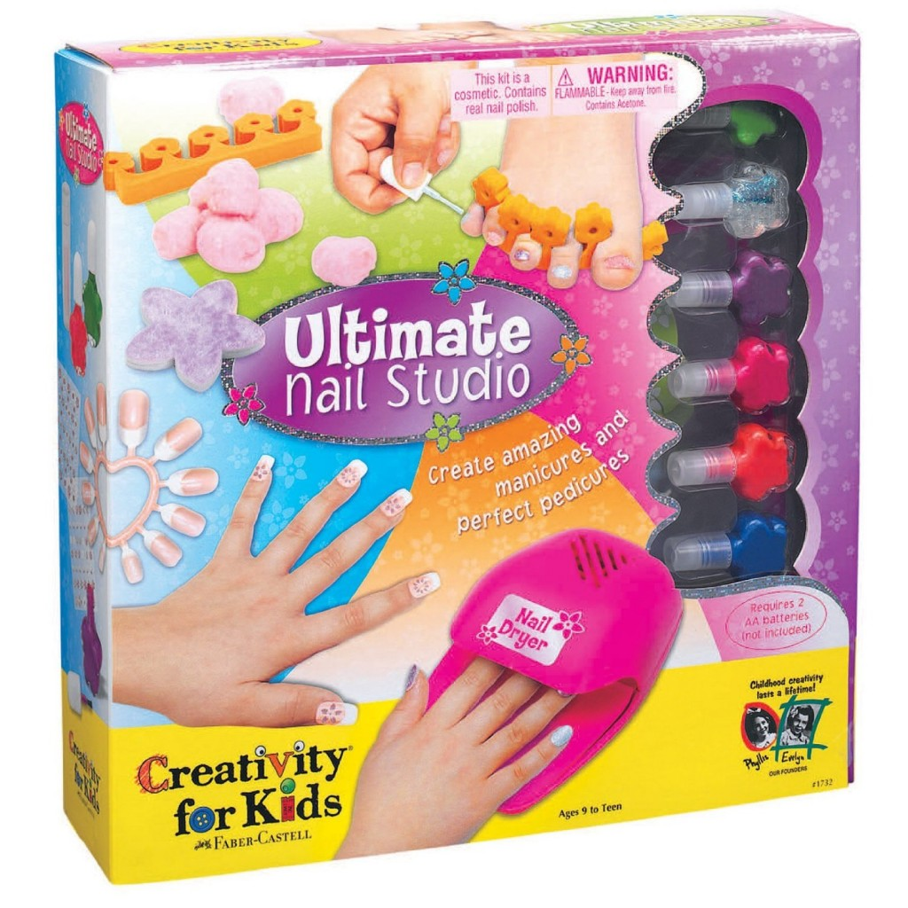 Cool nail art kit : Best toys and gifts for year old girls