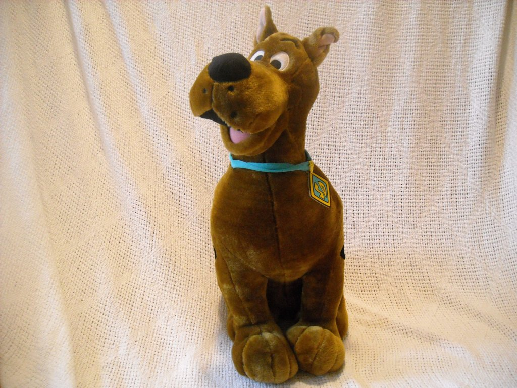 Scooby Doo Ultimate 24 Inch Stuffed Plush Figure